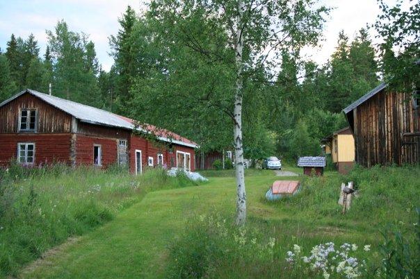 Här tänker jag bäst - vår gård i Dalarna och mitt barndomsparadis!